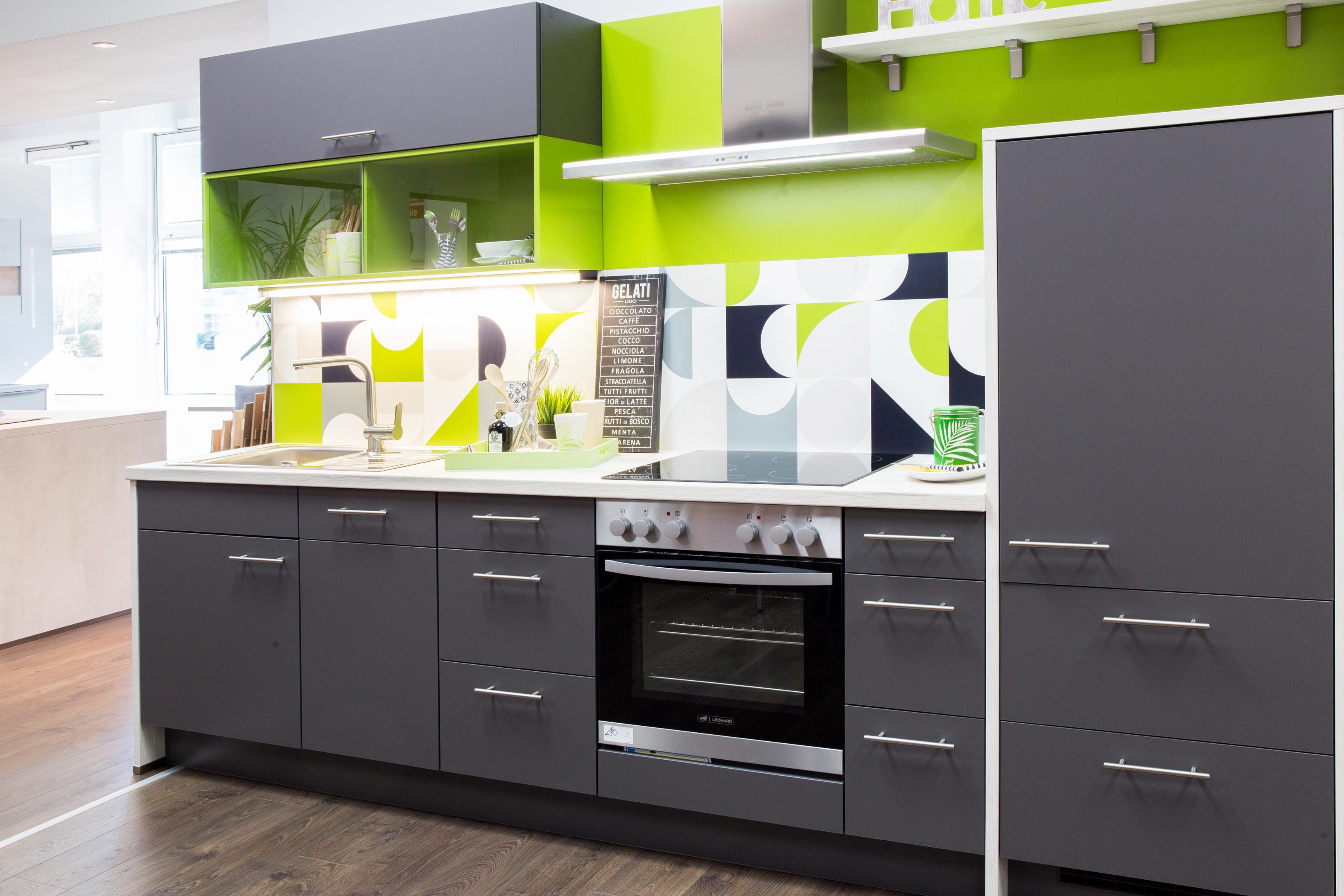 Mini Kühlschrank Tutti : Ein vw bulli kühlschrank zu hause deko locker storage cabinet